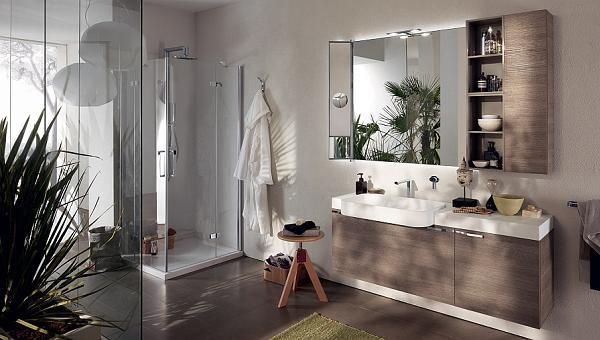 Mobiletti in quercia per questo bagno dal design classico