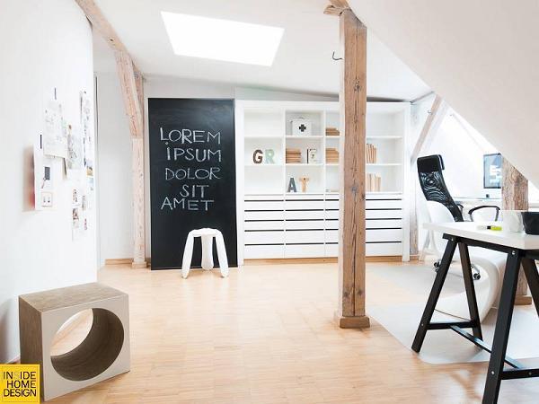 Avete notato quel tocco di moderno in più, come la sedia e lo sgabello?