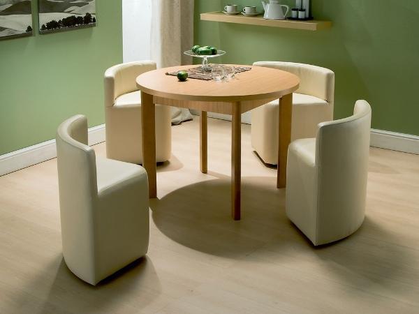 Un tavolo da pranzo salva-spazio