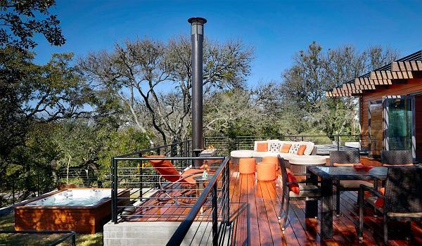 Il terrazzo è elegante e funzionale