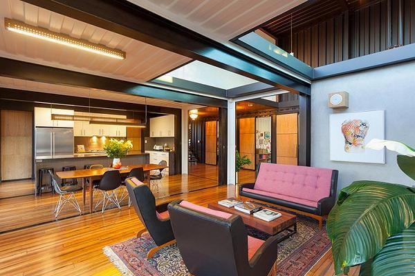 Perfetto openspace tra soggiorno e cucina