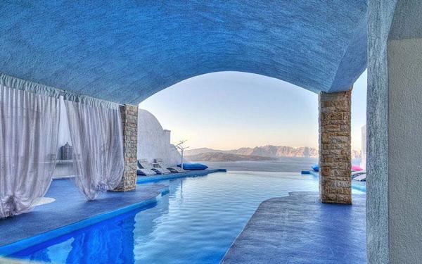 Astarte Suits Hotel, Grecia