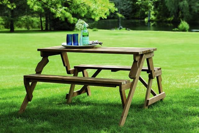 La panchina che si trasforma in un tavolo