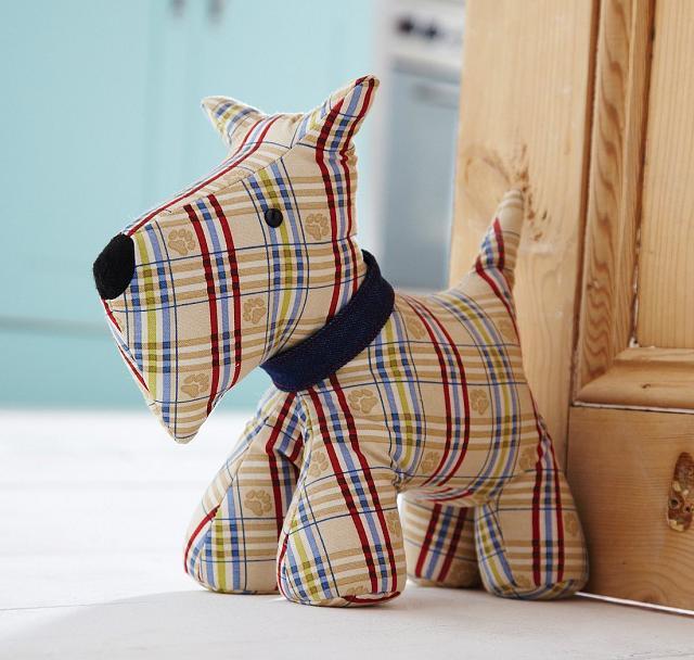 Fermaporta di stoffa per la camera da letto