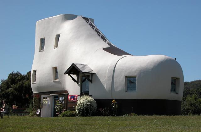 Stranezze architettoniche: le costruzioni più incredibili del mondo!