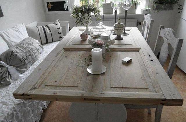 Trasformare una porta in legno in un tavolo - Ristrutturare tavolo in legno ...