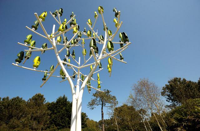 L'albero eolico che produce elettricità grazie al vento