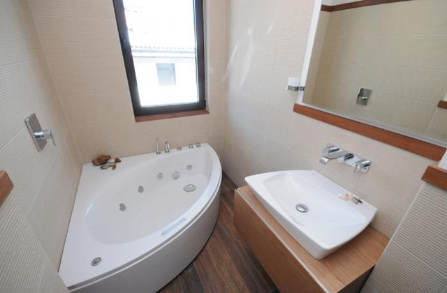 Come arredare un bagno piccolo per poter ottimizzare lo spazio pagina 3 di 6 - Spazio minimo per un bagno ...
