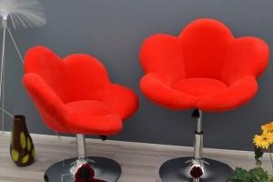 Sgabello-sedia a forma di fiore