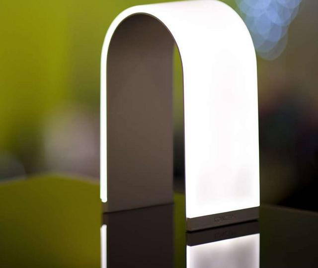 Lampada a forma di arco