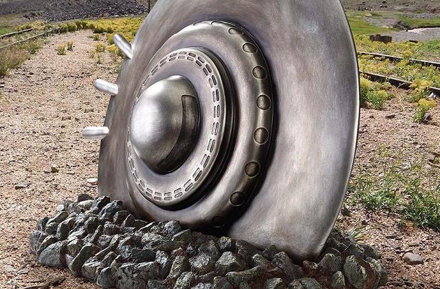 Il disco volante precipitato in giardino