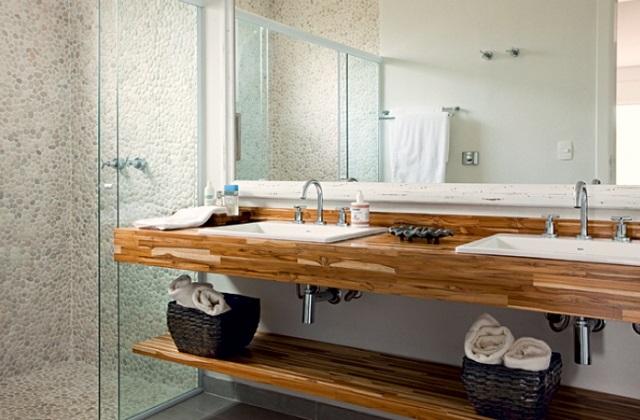 Bagno in comune lavabo e specchio idee per la coppia - Bagno in comune ...