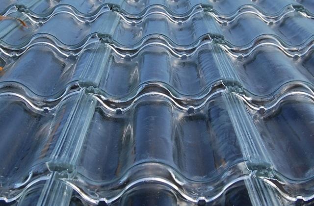 Riscaldare casa a costo zero con le tegole trasparenti - Riscaldare casa a basso costo ...