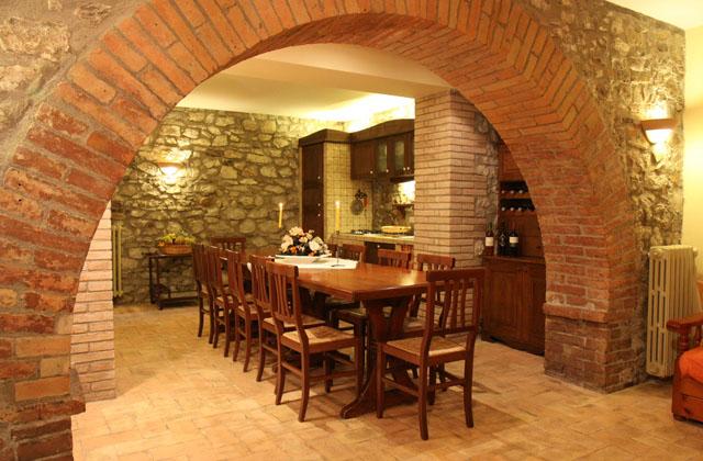 Arredare la taverna in stile rustico o country pagina 2 di 4 for Arredamento taverna stile provenzale