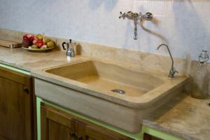Il lavabo in pietra nella nostra cucina