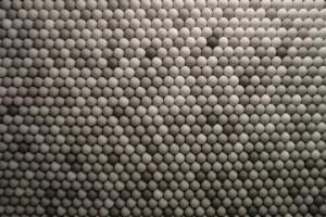 Il loft di Brooklyn con 25.000 palline da ping pong