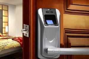 La serratura biometrica che apre con le impronte digitali