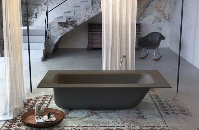 Il bagno con una vasca di cemento - Vasca da bagno in cemento ...