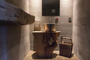 Ispirazioni ed idee per un bagno rustico