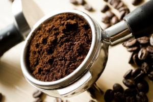 Come riutilizzare i fondi di caffè: idee e spunti