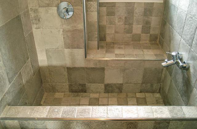 Tante buone ragioni per scegliere un bagno in muratura - Vasca da bagno in muratura ...