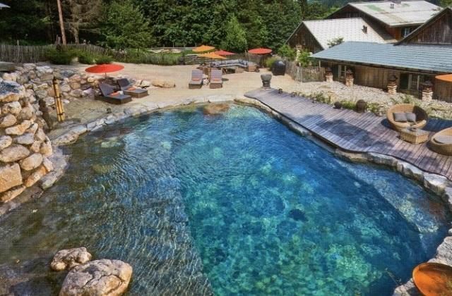 Biopiscine: arriva la piscina naturale che non contiene cloro