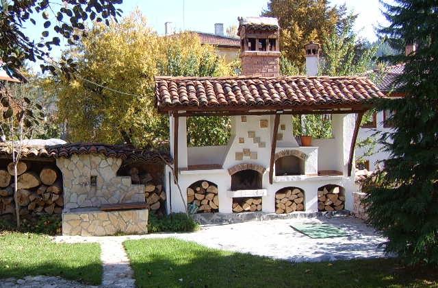Come realizzare un caminetto per esterno, per abbellire il giardino - Casafan