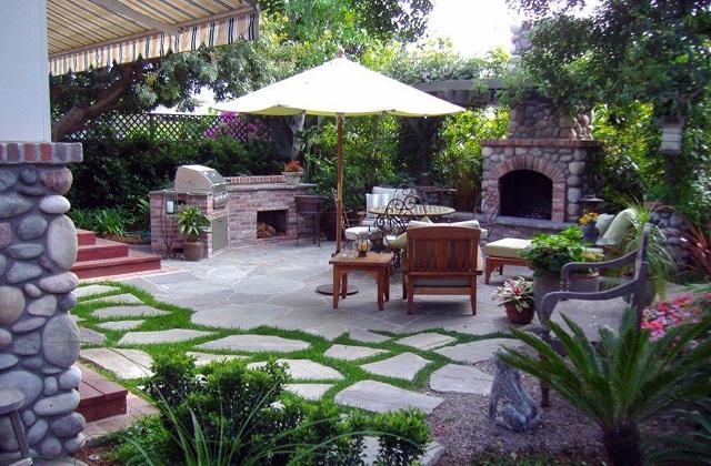 Come realizzare un caminetto per esterno per abbellire il - Camino da giardino ...