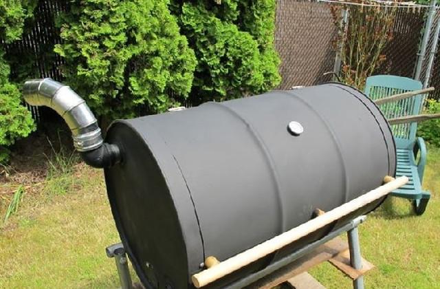 costruire un barbecue con un barile