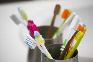 Come riusare lo spazzolino da denti