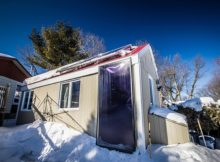 La tiny house solare che si scalda tutto l'inverno a soli 100 dollari (video)