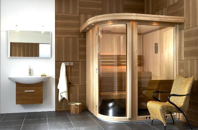 Bagno doccia con sauna e bagno turco per un totale relax