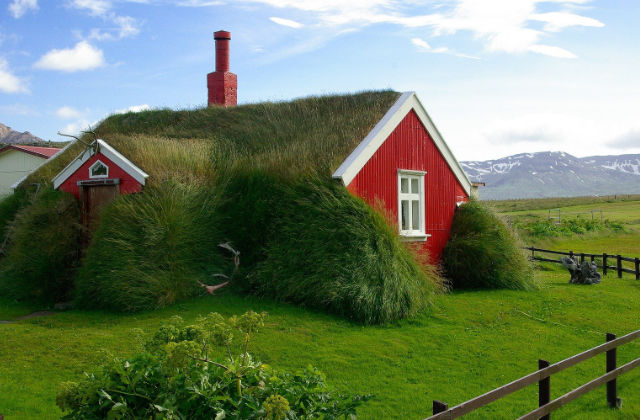 turf house in Islanda