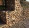muro in pietra a ciottoli