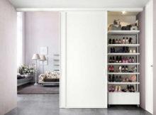 scarpe messe nel ripostiglio in camera da letto