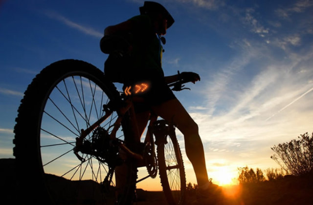 indicatore luminoso per bicicletta