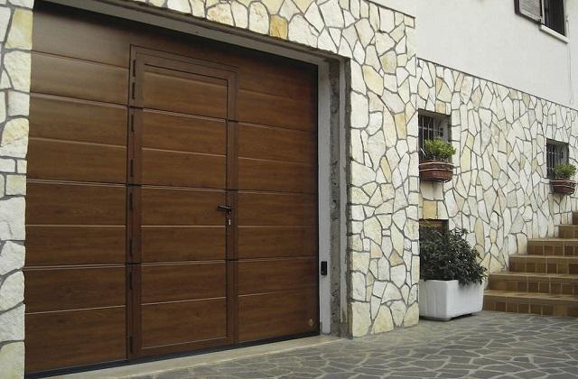 Come scegliere una porta-garage comoda e funzionale