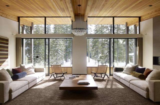 salotto feng shui con soffitto alto