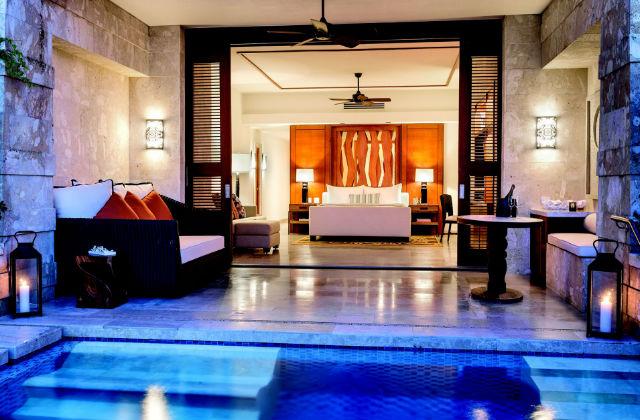 Camere di lusso con piscina inclusa - Camere da letto classiche di lusso ...
