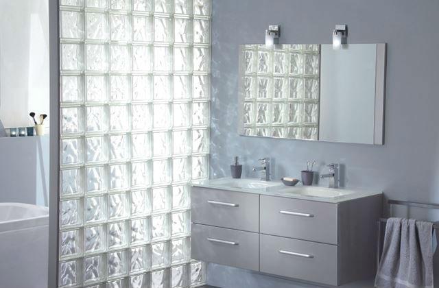 Parete in vetrocemento per doccia come costruirla - Posare un piatto doccia ...