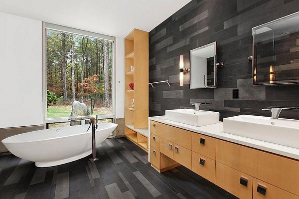 Bagni minimalisti di bianco e nero