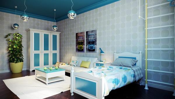 Le sfere cromate ai soffitti decorano e illuminano la camera