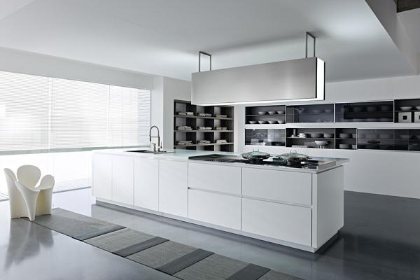 Cucina ultramoderna con l isola da lavoro