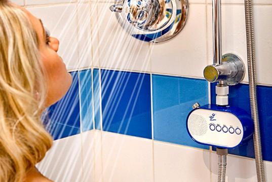 Ascoltare la radio sotto la doccia