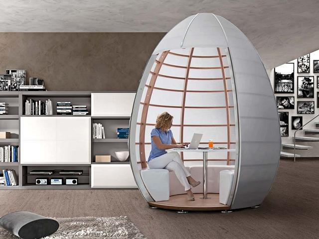 Mobile contenitore a forma di uovo