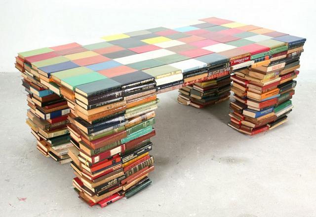 Come riutilizzare vecchi libri come forme di design