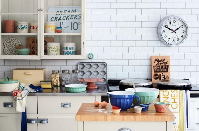 arredare una cucina in stile vintage quale decennio preferite. Black Bedroom Furniture Sets. Home Design Ideas