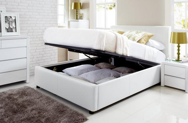 Se hai poco spazio, metti tutto sotto il letto