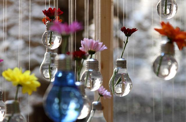 Riciclo creativo: riutilizziamo le vecchie lampadine