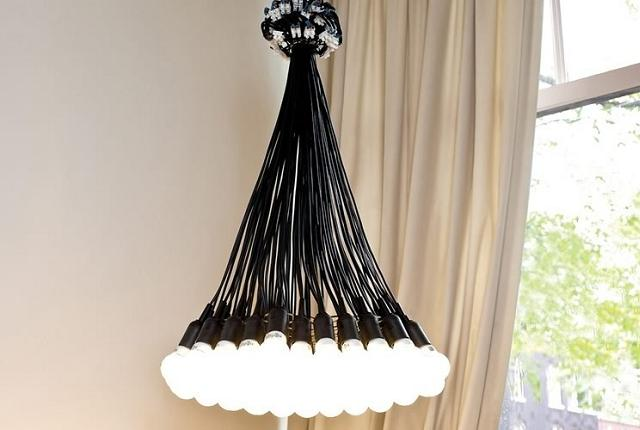 Il multi lampadario con 85 lampadine